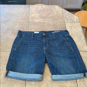 Gap Vallarta Bermuda cuffed shorts women's 29 dark